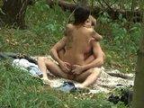 fukata se na travniku