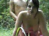 porno fukanje seksi amaterke v gozdu