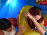 rdečelasa najstnica se igrivo fukari