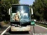 smešna pohotna vožnja z avtobusom!