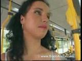 fukanje na avtobusu
