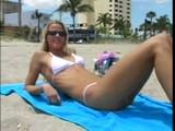 vroča sabrina iz plaže 1