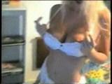 blondinka v amaterskem videu
