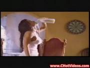 Carmen electra - zabava z mlekom
