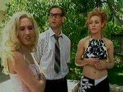 Žene ni doma zato pofukaj blondinko
