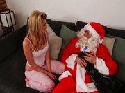 Molly obišče božiček